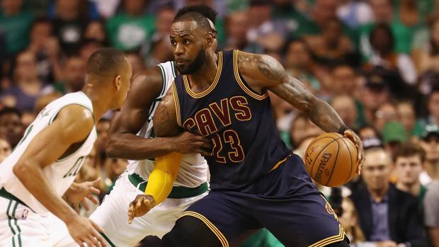 LeBron James queda fuera de la lucha por el MVP