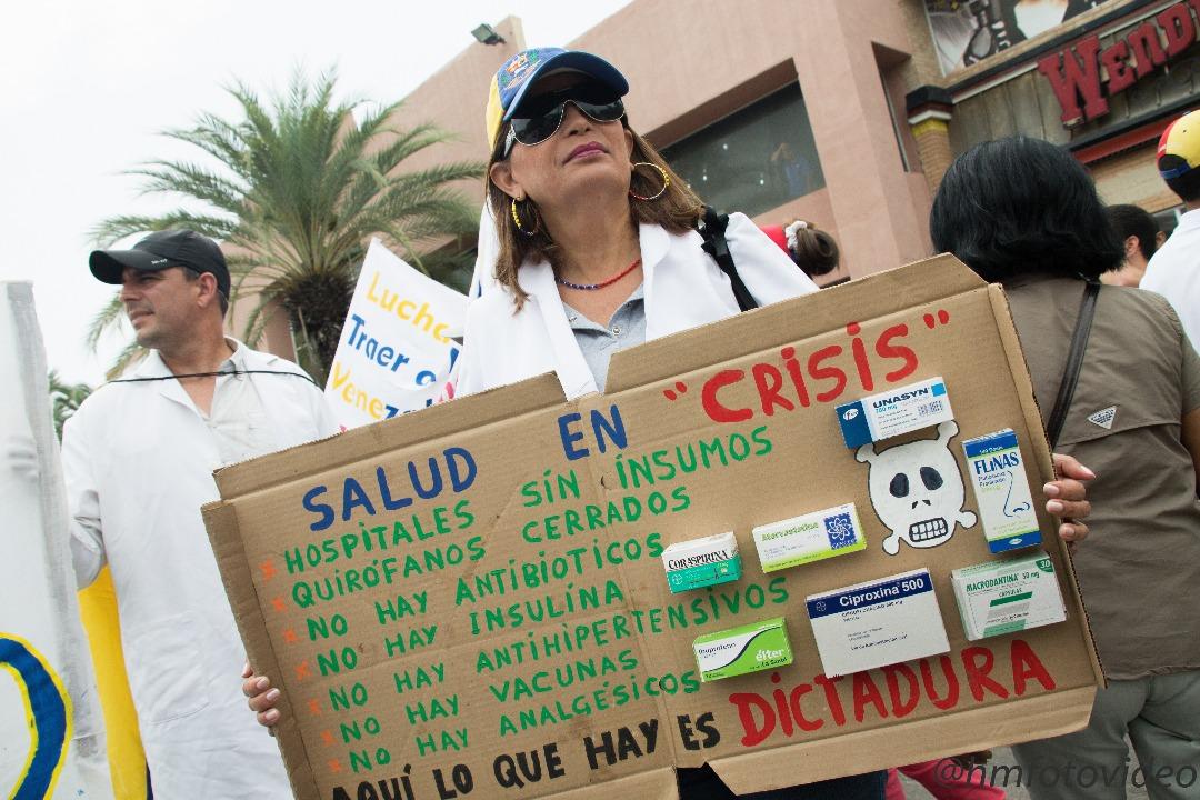 medicos-en-protesta.jpg