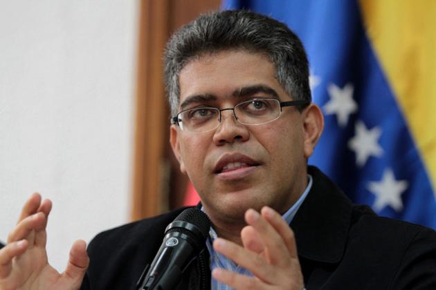 """Elias Jaua aseguró que reunión con CEV sirvió para """"construir puentes de diálogo hacia la paz"""""""