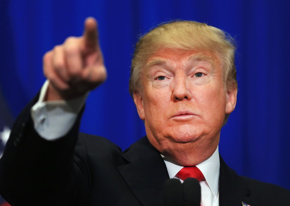 Saca tus manos de Venezuela Donald Trump, ¡Go home!, exigió Maduro