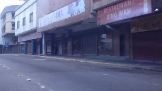 San Cristóbal amanece con calles desoladas, comercio a media máquina y sin transporte