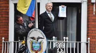 julian-assange-en-la-embajada-de-ecuador-en-londres.jpg_271325807.jpg