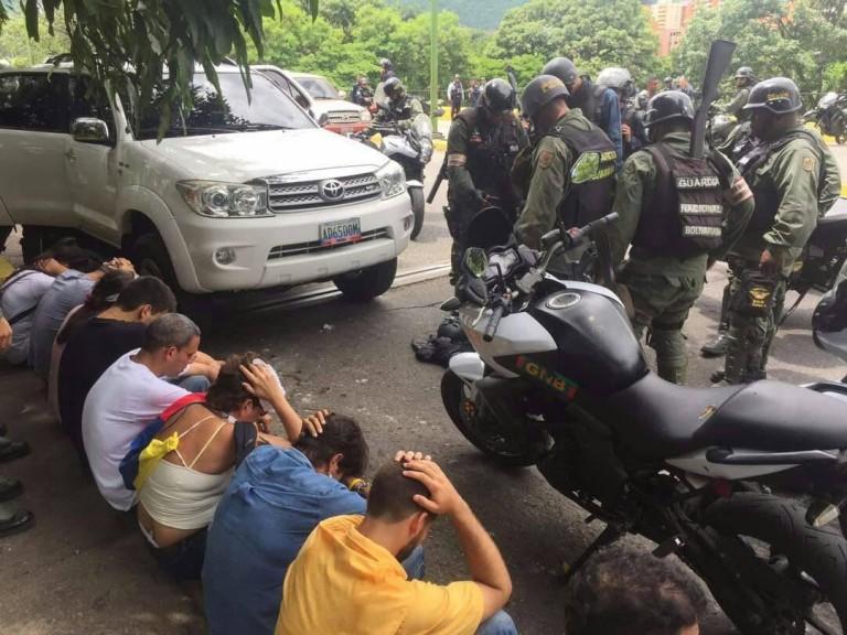 valencia-detenidos-15-de-mayo-e1494872221906.jpg