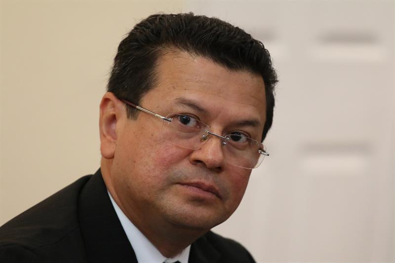 Canciller-El-Salvador-Hugo-Martínez.jpg
