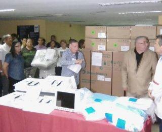 Arias entrega equipos e insumos médicos para la red hospitalaria del Zulia