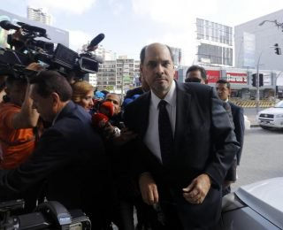 Excandidato presidencial panameño declara ante fiscalía anticorrupción por caso Odebrecht