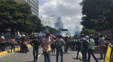 Represión-en-Chacaíto-e1498156718840.jpg