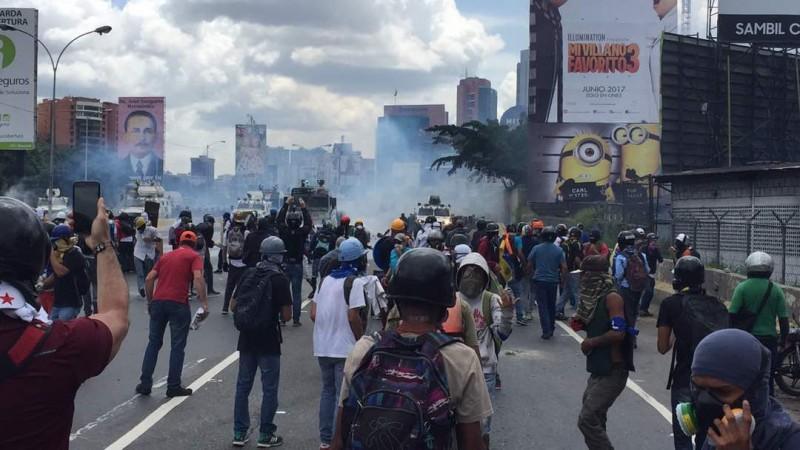 """Al menos 48 heridos se han registrado este lunes en la """"Toma de Caracas"""""""