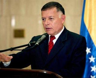 Gobernador Arias Cárdenas felicita a los padres en su día