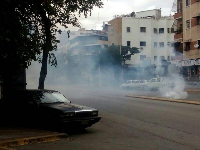 Reprimen a manifestantes en Montalban, El Paraíso y av. Victoria