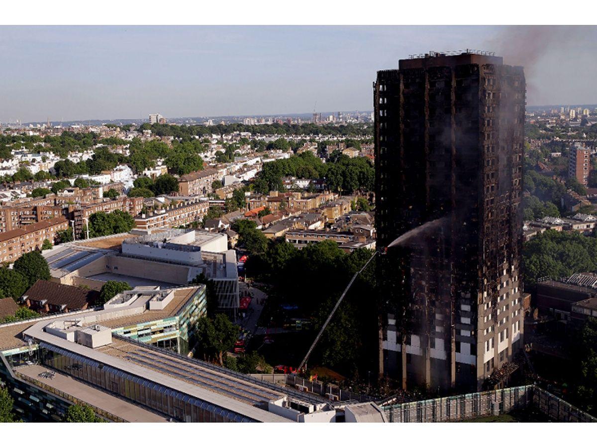 Aumentan a 79 las personas dadas por muertas en incendio de edificio de Londres