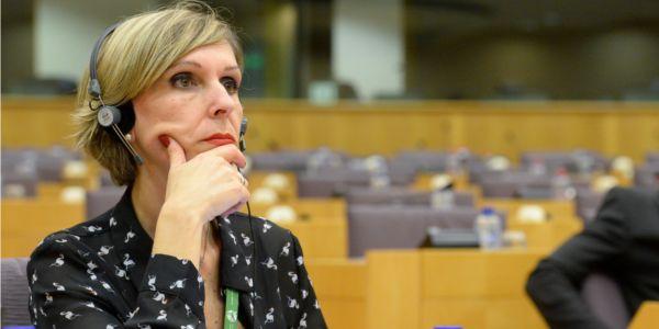 Eurodiputada Beatriz Becerra confía en que ya existan negociaciones entre oposición venezolana y militares