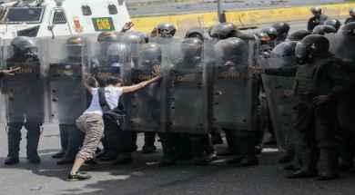 Manifestante-vs-GNB-700×350.jpg