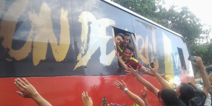 +FOTOS| Venezolanos aplaudieron caravana con la Vinotinto Sub-20