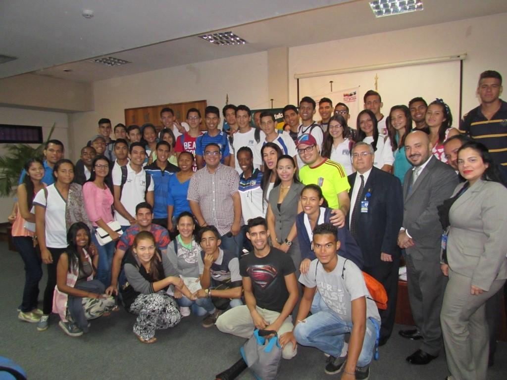 Fundalossada ofrece clínica deportiva a estudiantes del Politécnico Santiago Mariño