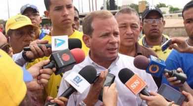 juan_pablo_guanipa_planton_por_venezuela.jpg_1804519620-660×440.jpg