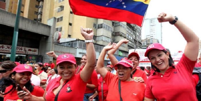 Mujeres-chavistas-marcha-oficialista-700×352.jpg