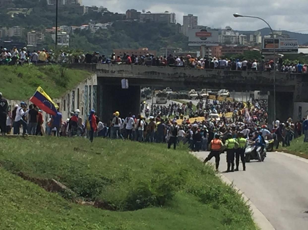 Protesta en el distribuidor Altamira deja un muerto y varios heridos por arma de fuego