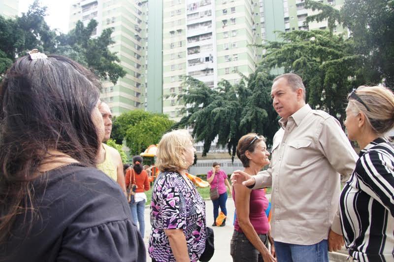 Richard Blanco acudió a oficina móvil de la FGR en Los Verdes, El Paraíso