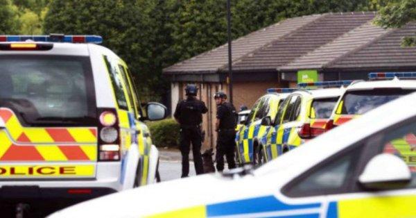 Un hombre detenido en Reino Unido tras una breve toma de rehenes