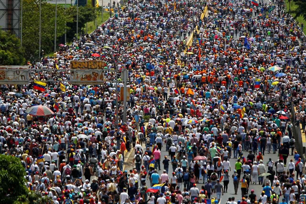 2017-06-19T194902Z_1819323908_RC12911EDFF0_RTRMADP_3_VENEZUELA-POLITICS.jpg