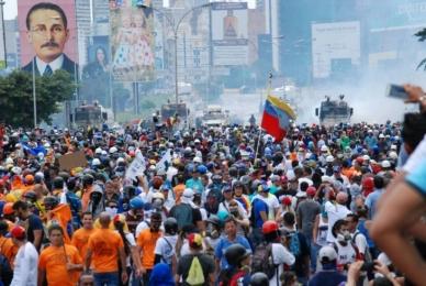 """Reprimen marcha opositora """"Todos a Caracas"""" este #19Jun (Videos)"""