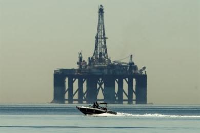 El petróleo Brent sube un 0,46 % y cierra en 47,74 dólares