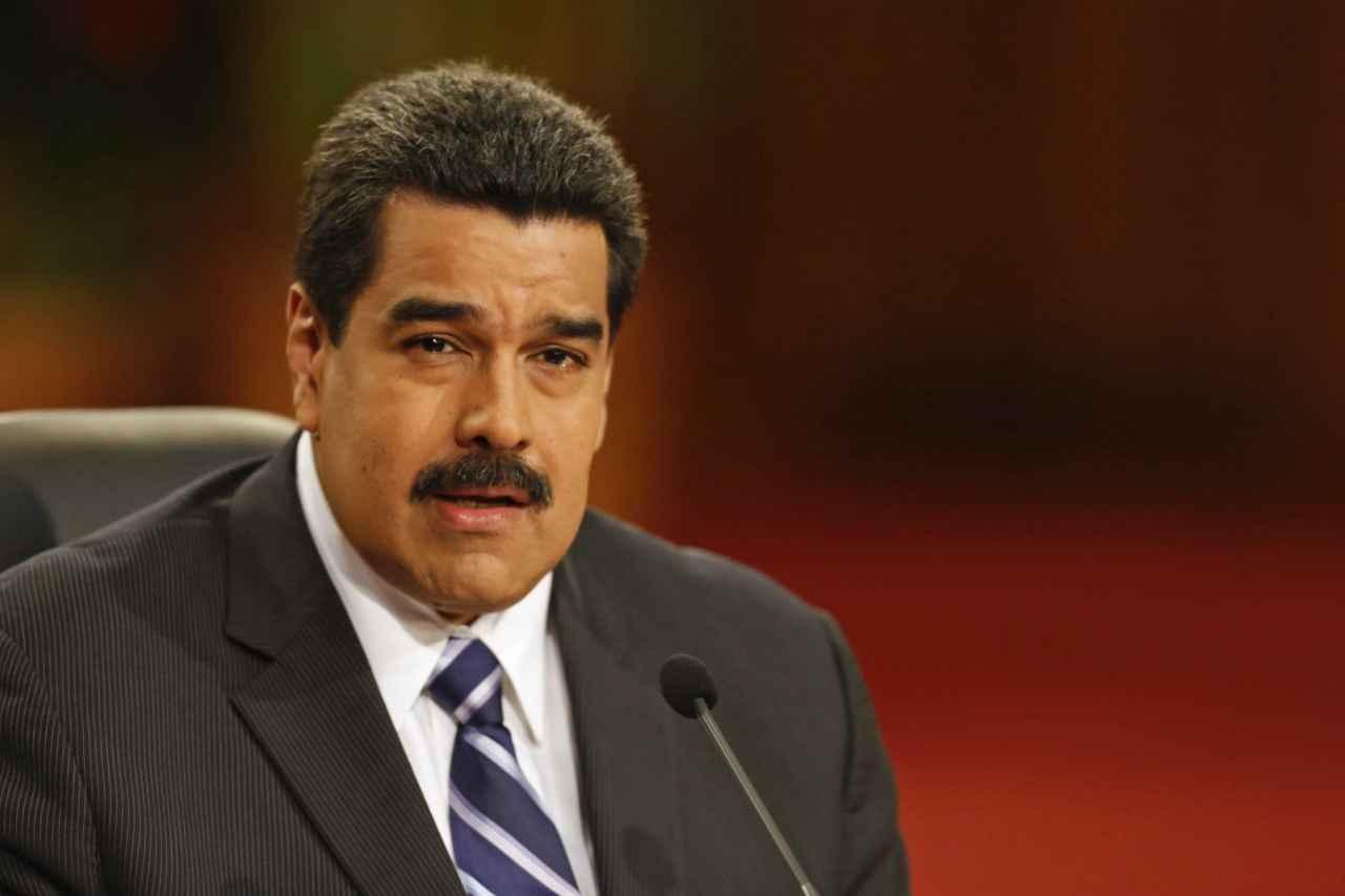 Maduro-El-Papa-se-compromete-con-el-diálogo-para-Venezuela.jpg