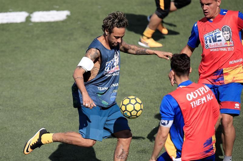 Neymar rescata el fútbol de barrio en torneo con equipos de más de 50 países