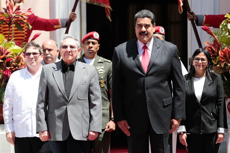 Raul-Castro-y-Nicolás-Maduro.jpg