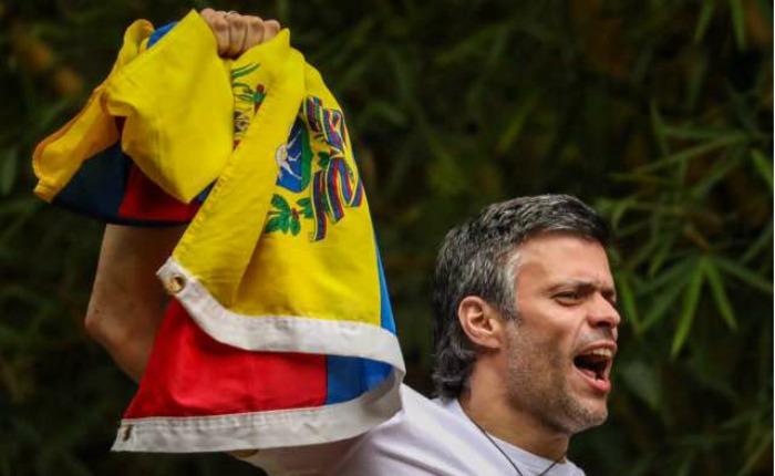 Así apareció Leopoldo López después de tres años tras las rejas