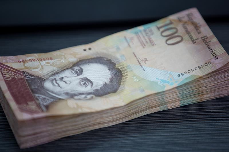billetes-de-100-bolivares-foto-efe.jpg