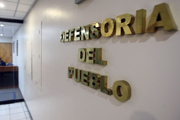 Denuncian despidos masivos en Defensoría del Pueblo