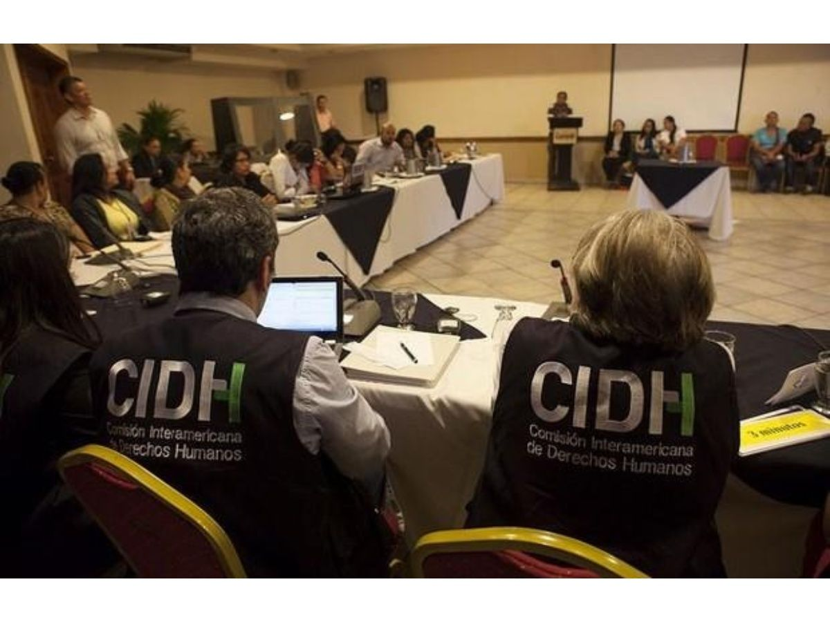 Escándalo de espionaje en México alcanza a expertos de CIDH por caso Ayotzinapa