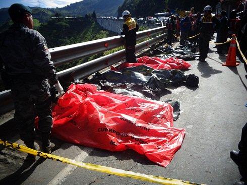 20141108110504_al-menos-15-muertos-en-accidente-de.jpg