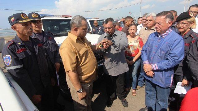 22-07-2017-em-entrega-de-ambulancias-al-estado-zulia-32-640×359.jpg