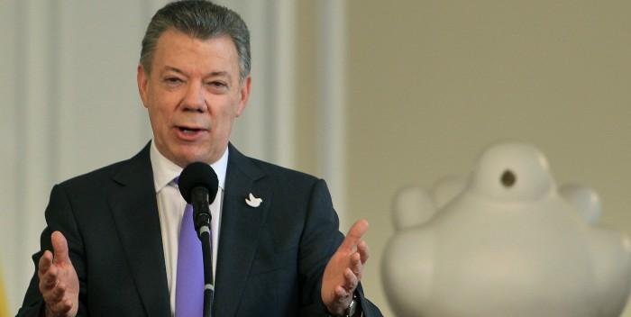 Juan Manuel Santos pide a Maduro que desmonte la Constituyente