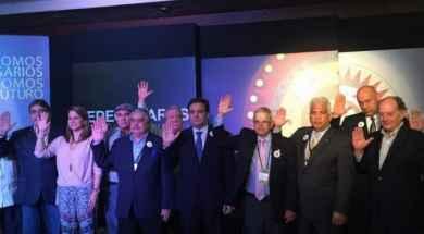 Carlos-Larrazábal-y-la-nueva-junta-directiva-de-Fedecámaras-800×527-700×352.jpg