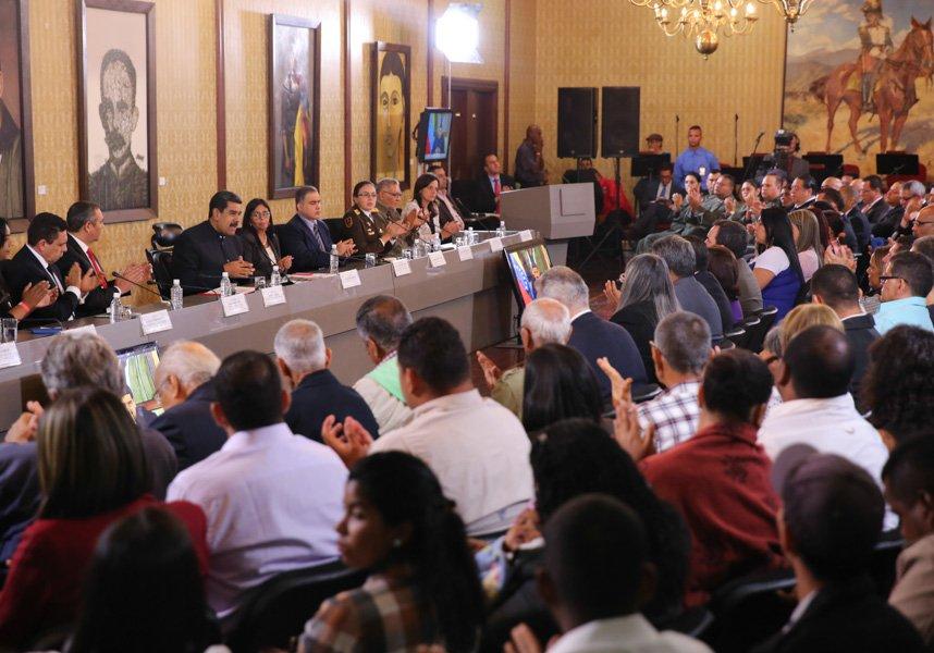 """Maduro a diputados: """"Renuncien a su inmunidad y yo renuncio a la mía para presentarnos ante la Comisión de la Verdad"""""""