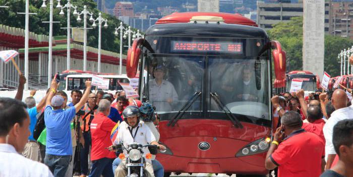 maduro-manejando-autobus.jpg