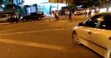 Manifestantes festejan tras cumplir 10 horas de trancazo en Chacao (videos)