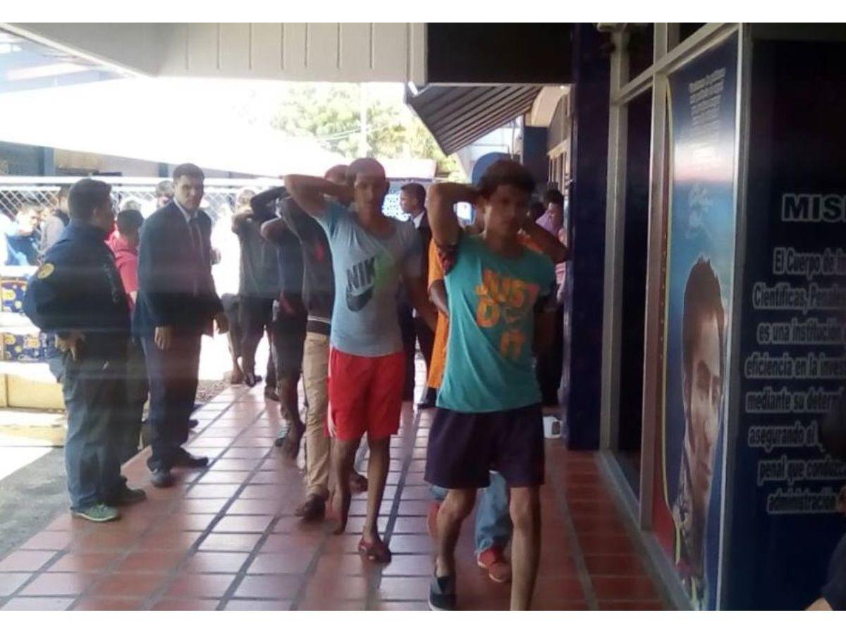 Más de 35 detenidos por saqueos en El Marite