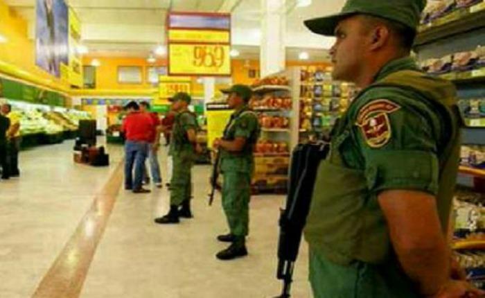 Militares-supermercados-Venezuela.jpg