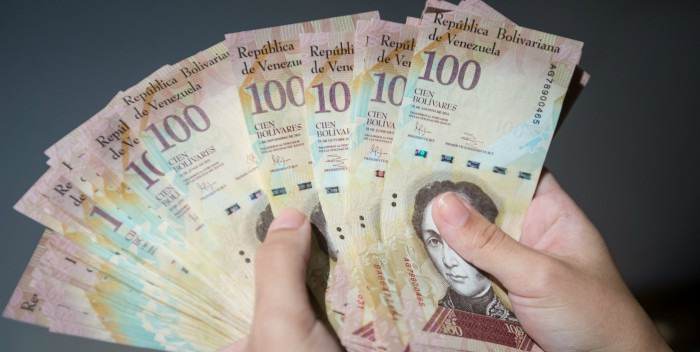 pacas-de-billetes-de-100-1-700×352.jpg