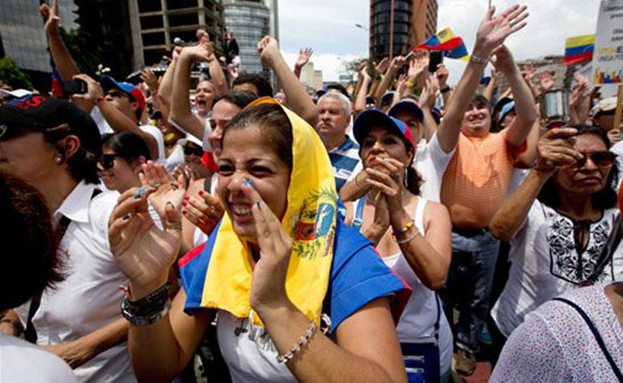 Oposición sigue en la calle este domingo para conmemorar 100 días de manifestaciones