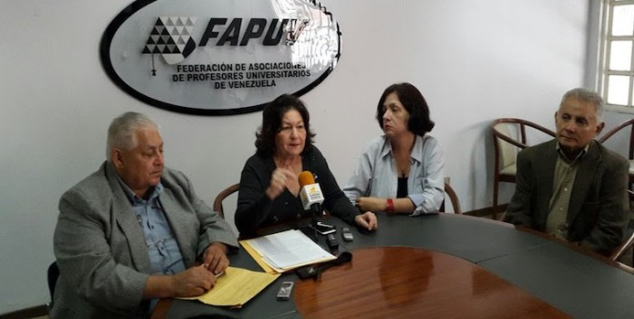Lourdes-Ramírez-de-Viloria-FAPUV-700×352.jpg