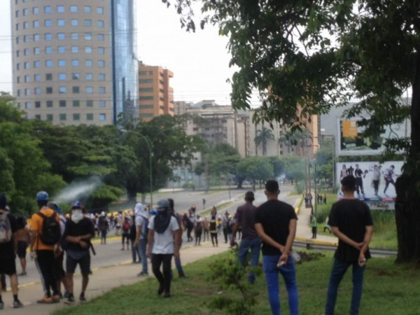 Resistencia en Valencia confronta a organismos represores