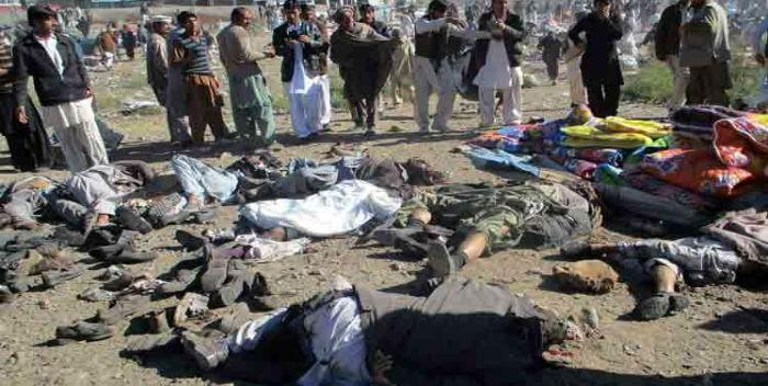 Al-menos-10-muertos-y-20-heridos-en-una-explosión-en-el-este-de-Pakistán-700×352.jpg