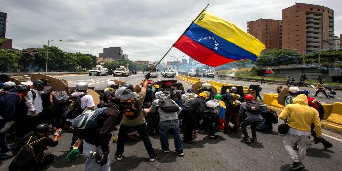 Protestas-Francisco-Fajardo-3-5-17-3-700×350.jpg