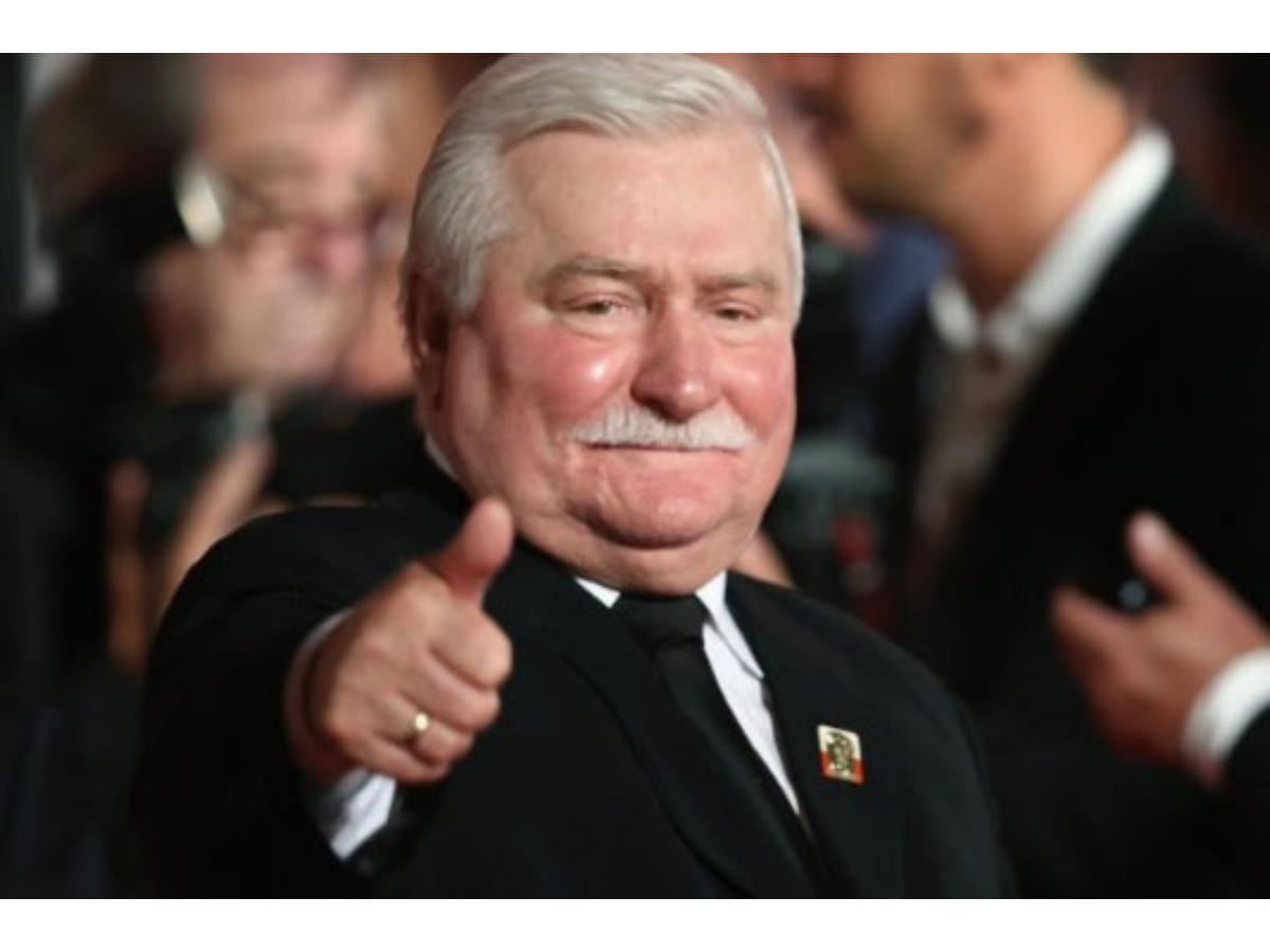 Walesa, premio Nobel de la Paz, dado de alta del hospital en Polonia